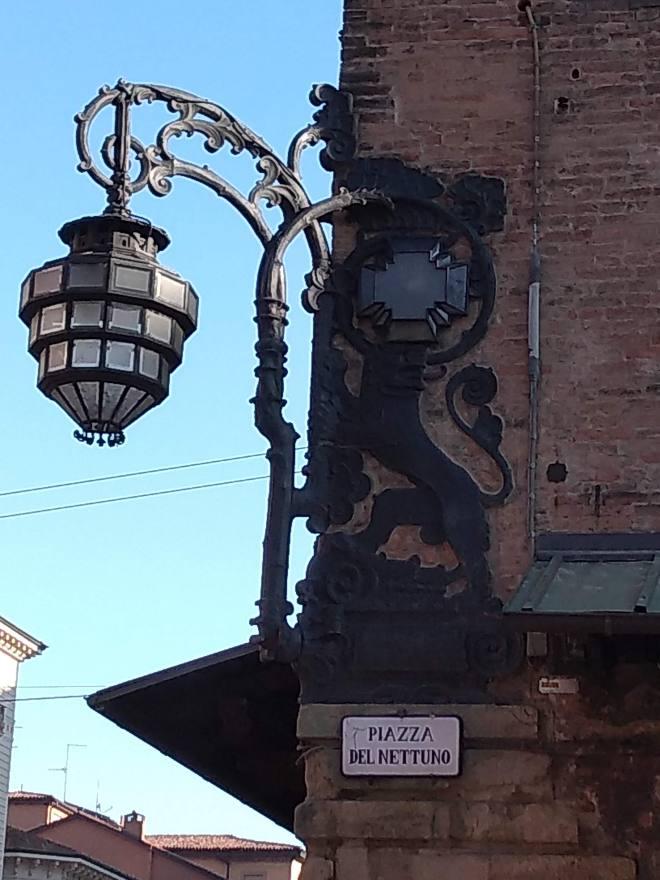 Palazzo re Enzo lanterna
