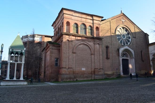 Bologna igreja san domenico tumbas glossadores 1