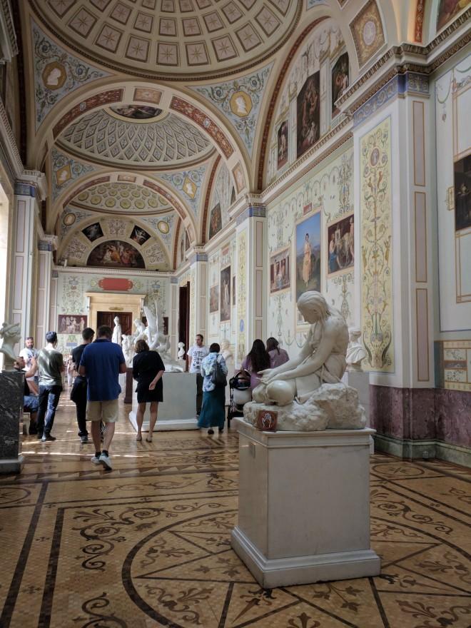Hermitage pinacoteca hall esculturas