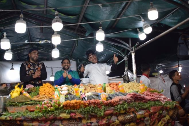 Marrocos Marrakech praça central djema el-fna barraquinha comida