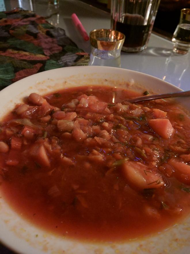 Pratos típicos para provar na rússia solyanka